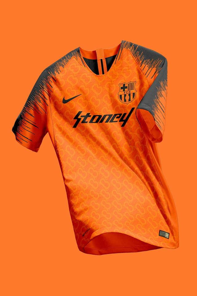 Graphic Designer Mixes Football S Biggest Club Kits With Popular Albums Sports Jersey Design Sport Shirt Design Sports Tshirt Designs